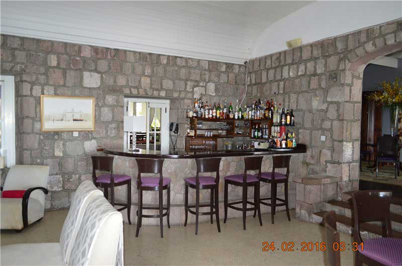 尼維斯島當地酒店 - 300年曆史