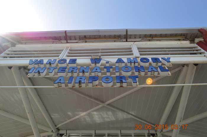尼維斯機場一覽
