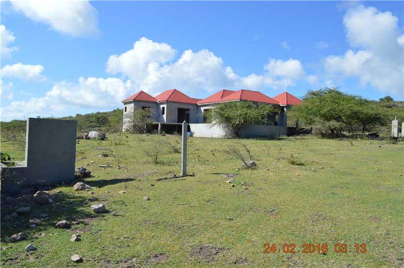 尼維斯島可買賣土地 300英畝