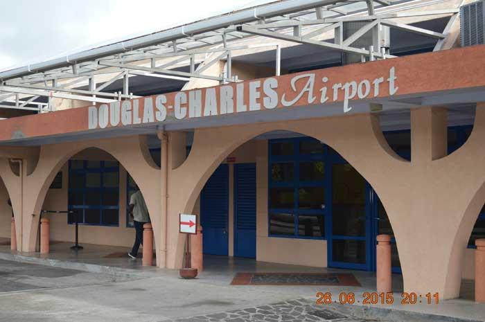 多米尼克當地機場