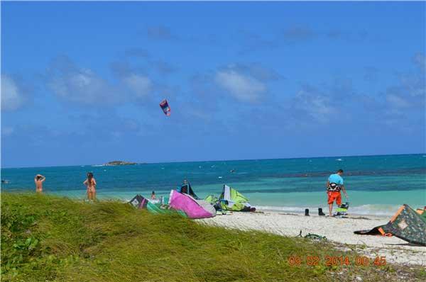 安提瓜-天藍碧綠的海灘